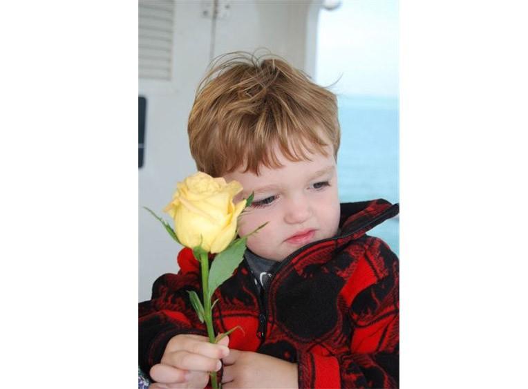 Eternal-Reefs-Dedication-05-Child-With-Flower-Sarasota02272012-(243)